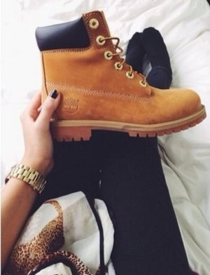 Extra 30% OffSelect Boots @ ShoeMall