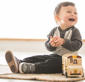 Save Up to 50% Off + Extra 20% offAll Sale Baby Footwear @ Robeez