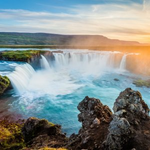 From $389 RTNonstop Roundtrip Flight Dallas to Reykjavik