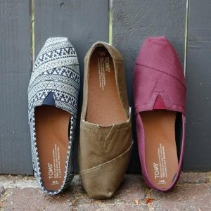 Up to 55% OffTOMS Shoes Sale @ Nordstrom Rack