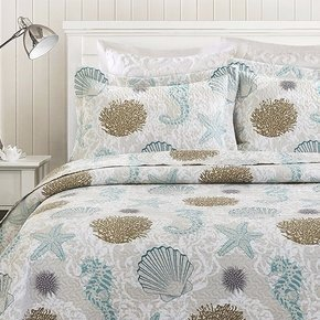 $19.99-$21.99Classically Cozy Quilts @ Zulily