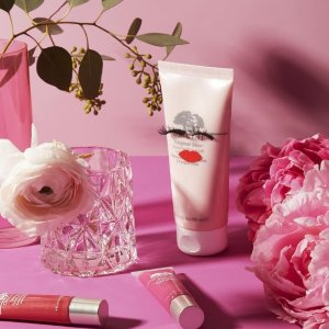 Dealmoon Exclusive! $20 off $45 With Original Skin Collection purchase + deluxe sample of Cleanser + full- size eye cream@ Origins
