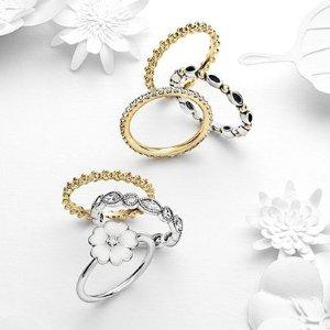低至4折 小花戒指最可爱Pandora 戒指、手链及项链热卖