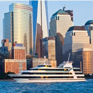 70% OFF From$9.6One-Hour Boat Tour Around Manhattan