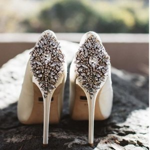 低至3.6折  经典婚鞋$86.66Badgley Mischka 殿堂级设计师鞋婚鞋
