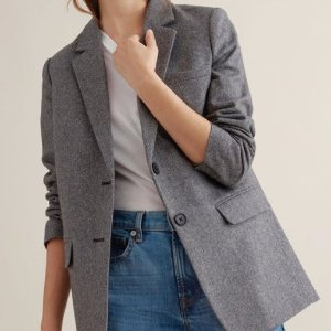 Free 2-Day Shippingwith any order @ Everlane