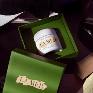 Enjoy an exclusive sample Crème de la Mer and The Lifting Contour Serumwith any $150 purchase