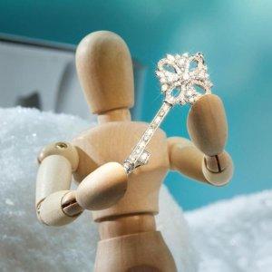 给心爱的她送什么呢圣诞送礼之首饰品牌指南,贴心礼物这里挑