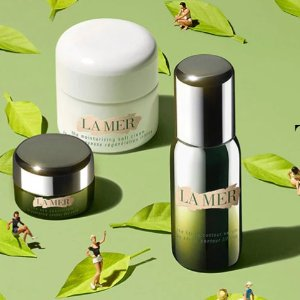 Choose a complimentary luxury-edition sample with any $250 purchase