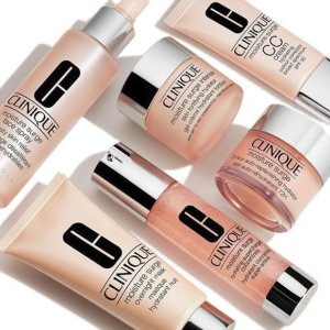 Free 5-pc. GiftWith Any $55 Moisture Surge™ Extended Thirst Relief purchase@ Clinique
